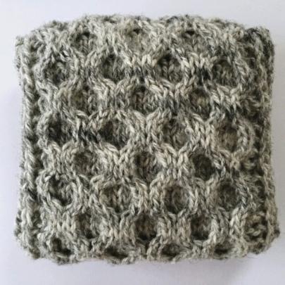 honeycomb balsam cushion - grey