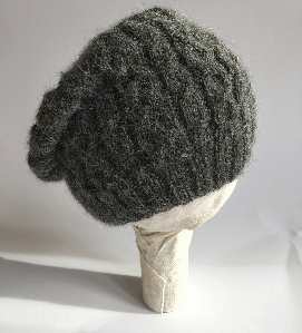Alpaca beret in dark grey